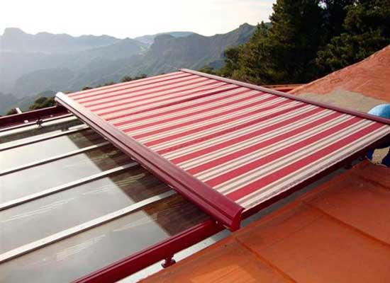 Tipos de toldos para terrazas balcones y ventanas modelos for Diferentes tipos de techos para terrazas