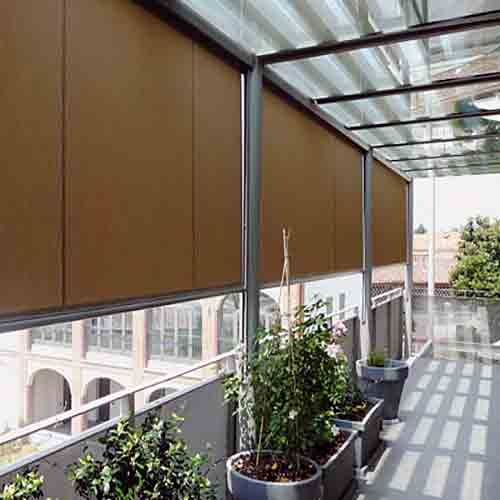 Tipos de toldos para terrazas balcones y ventanas modelos for Guia aluminio para toldo