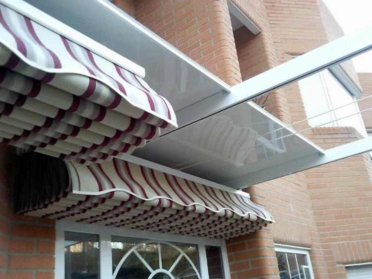 Pergolas de aluminio toldos plegables palilleria g80 for Sistema poleas para toldos