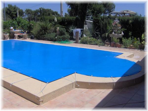 Cobertores piscina en madrid cobertores de piscina invierno for Mantenimiento piscina invierno